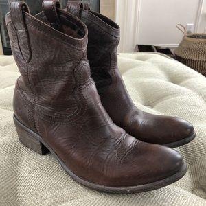 Frye Carson Arab Shortie Ankle Cowboy Boots 9